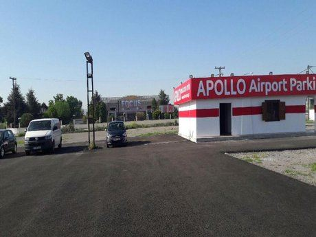 APOLLO Airport Parking Photo